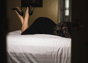 Gypsy live escort in Leawood KS