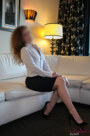 Lou-ambre outcall escorts