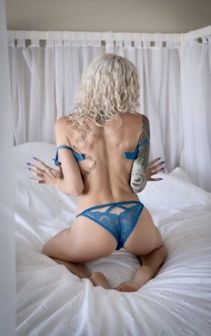 Nadette busty escort girls in Springfield