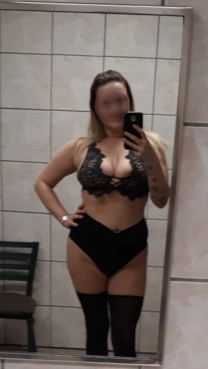 Marie-johanna busty call girl in Wickliffe OH