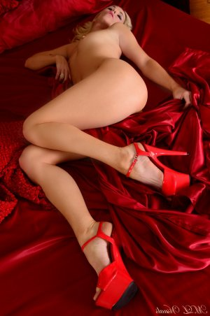 Dalenda busty outcall escort in Superior