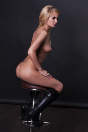 Lila-may outcall escort